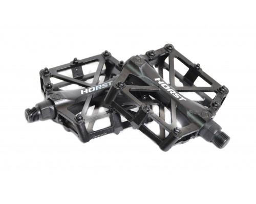 Педали 00-170831 алюминиевые H32 широкие литые с шипами. резьба 1/2″, 92*95*15мм, 388 г черные HORST