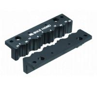 Инструмент/приспособление 6-190516 YC-516 для фиксации осей/штоков и пр. в тисках, для бережной обработки деталей BIKEHAND